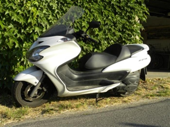 YAMAHA MAJESTY 400 - BRONI (PV) su Quotazioni it moto e scooter,